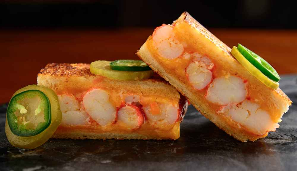 King Crab Melt dari Adrift Bar & Lounge